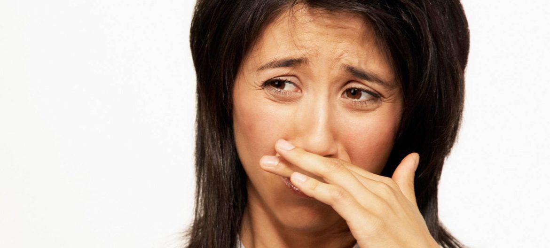 Как освежить запах изо рта